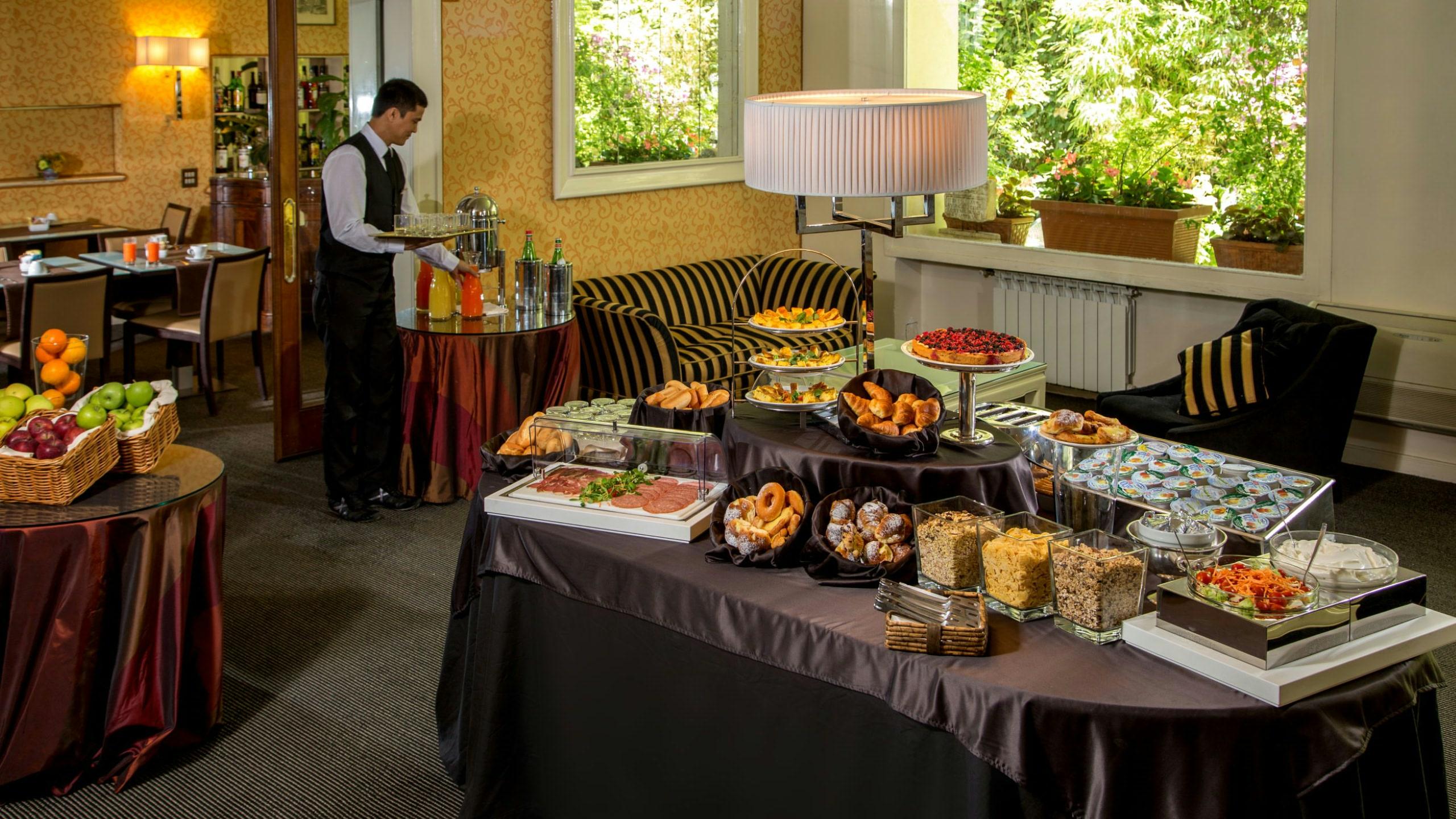 Hotel panama garden via salaria rome italy garden ftempo - Garden state orthopedics fair lawn ...