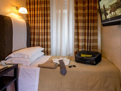 hotel-panama-rome-single-room01